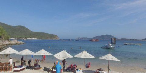 Bai-Cau-Beach-Emperor-Cruises-Private-Beach-NhaTrang-Vietnam