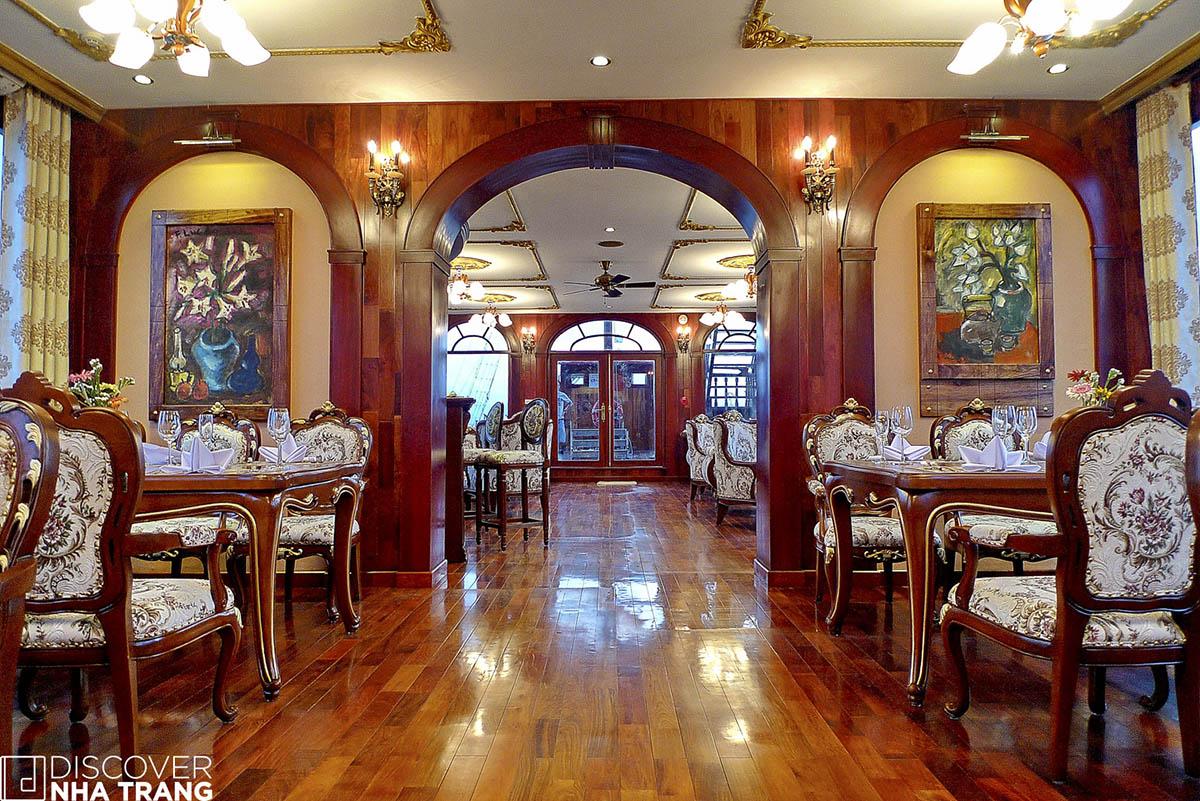 Dining Room Emperor Cruises Nha Trang