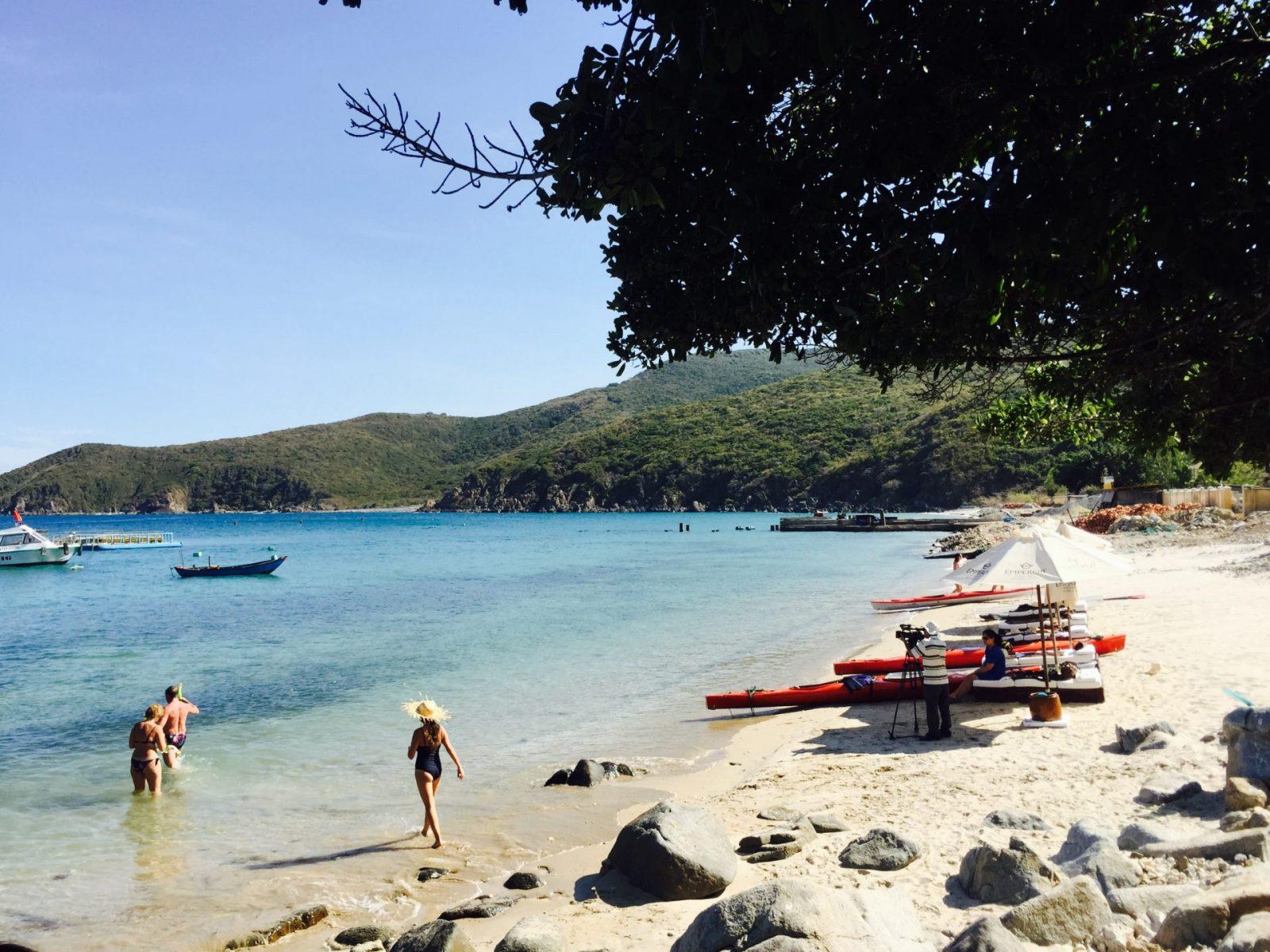 whitte-sands-beach-emperorcruises