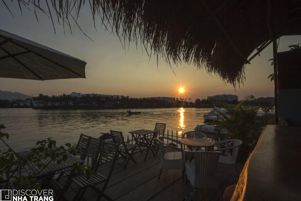 Sunshine bar and restaurant nha trang